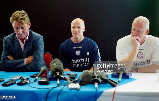 Simon Jordan Chairman Andy Johnson and Iain Dowie manager talk to the media at a Press Conference as Johnson announces he will stay with Crystal...