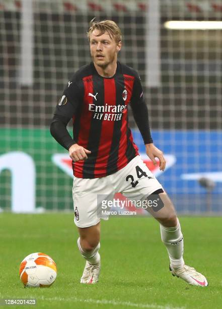 Simon Kjaer of AC Milan in action during the UEFA Europa League Group H stage match between AC Milan and LOSC Lille at San Siro Stadium on November...