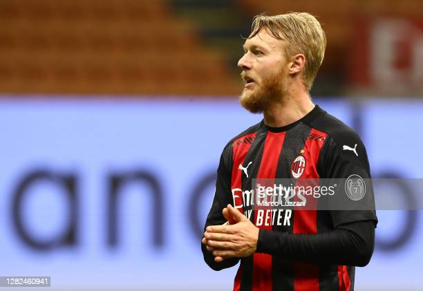 Simon Kjaer of AC Milan reacts during the Serie A match between AC Milan and AS Roma at Stadio Giuseppe Meazza on October 26, 2020 in Milan, Italy.