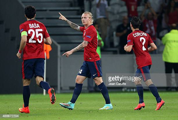 Simon Kjaer of Lille celebrates scoring his goal during the UEFA Europa League Group H match between LOSC Lille and FK Krasnodar at Pierre Mauroy...