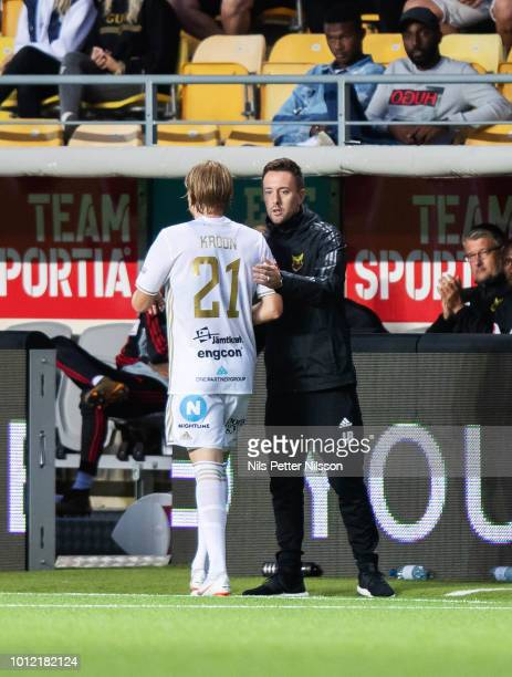 Simon Kroon of Ostersunds FK and Ian Burchnall head coach of Ostersunds FK during the Allsvenskan match between IF Elfsborg and Ostersunds FK at...