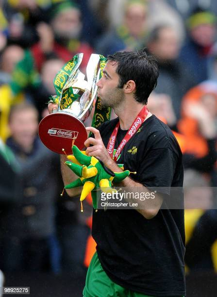 Simon Lappin of Norwich City kisses the trophy during the CocaCola League One match between Norwich City and Carlisle United at Carrow Road on May 8...