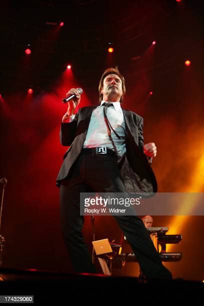 Simon Le Bon performs with Duran Duran in concert at the HP Pavilion on March 2, 2005 in San Jose, California.
