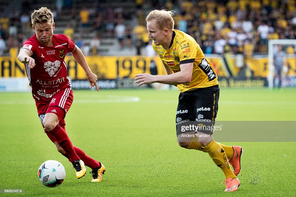 Simon Lundevall of IF Elfsborg and Dennis Widgren of Ostersunds FK competes for the ball during the Allsvenskan match between IF Elfsborg and Ostersunds FK at Boras Arena on July 25, 2016 in Boras, Sweden.