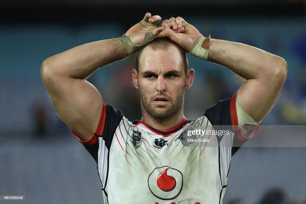 Simon Mannering of the Warriors looks dejected after defeat during the round 13 NRL match between the Parramatta Eels and the New Zealand Warriors at ANZ Stadium on June 2, 2017 in Sydney, Australia.