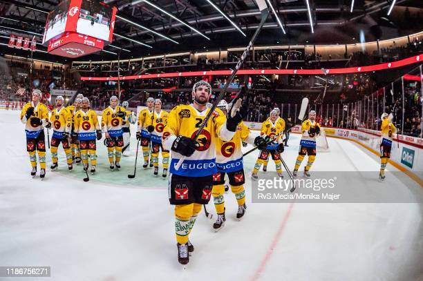 Simon Moser of SC Bern celebrates team victory with teammates during the Swiss National League game between Lausanne HC and SC Bern at Vaudoise Arena...