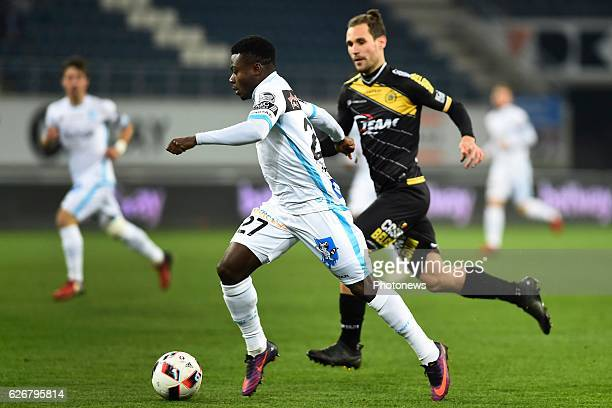 Simon Moses forward of KAA Gent during the Croky Cup match between KAA Gent and KSC LOKEREN in the Ghelamco Arena stadium on NOVEMBER 30, 2016 in...