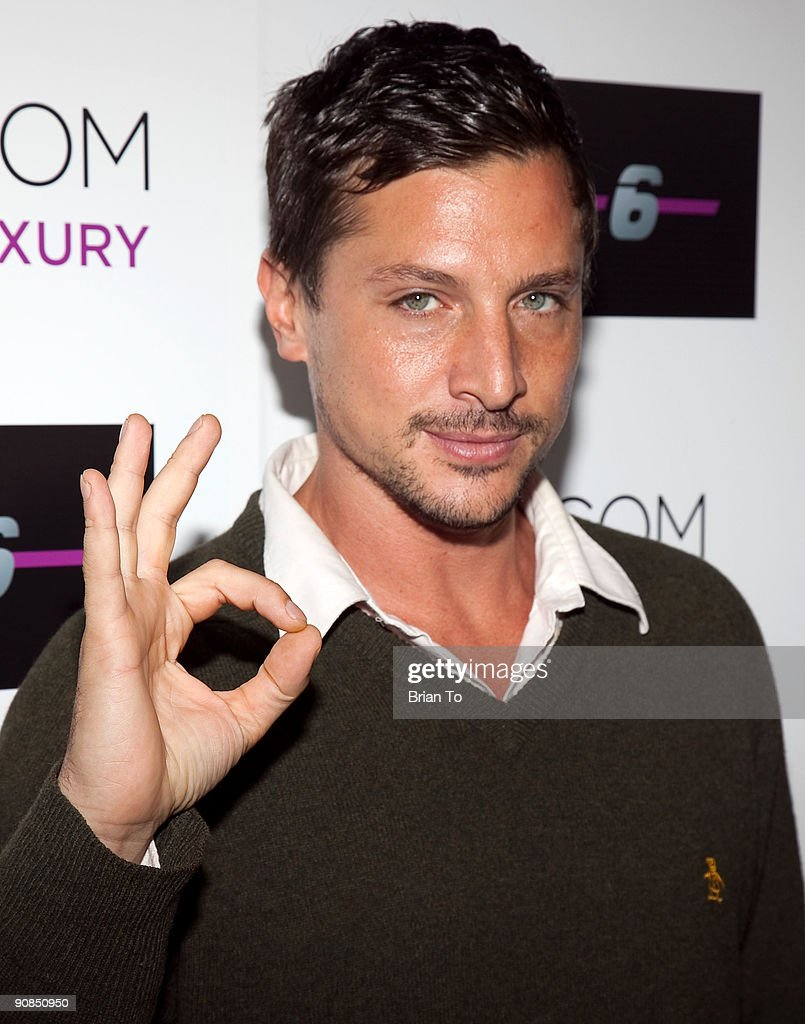 Simon Rex attends Mi-6 Nightclub Grand Opening Party on September 15, 2009 in West Hollywood, California.