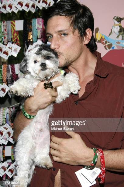 Simon Rex during Silver Spoon Golden Globes Hollywood Buffet Day 1 at Private Residence in Beverly Hills California United States Photo by Michael...