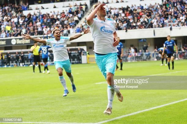 Simon Terodde of Schalke celebrates the first goal during the Second Bundesliga match between SC Paderborn 07 and FC Schalke 04 at Benteler Arena on...