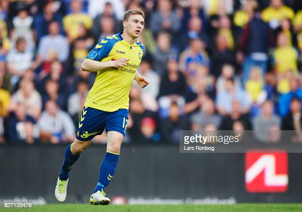Simon Tibbling of Brondby IF in action during the Danish Alka Superliga match between Brondby IF and FC Copenhagen at Brondby Stadion on August 6...