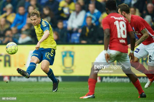 Simon Tibbling of Brondby IF in action during the Danish Alka Superliga match between Brondby IF and Silkeborg IF at Brondby Stadion on October 15...