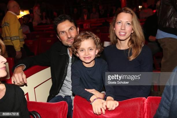 Simon Verhoeven son David Verhoeven and partner Nina during the premiere of the Circus Roncalli '40 Jahre Reise zum Regenbogen' on October 7 2017 in...