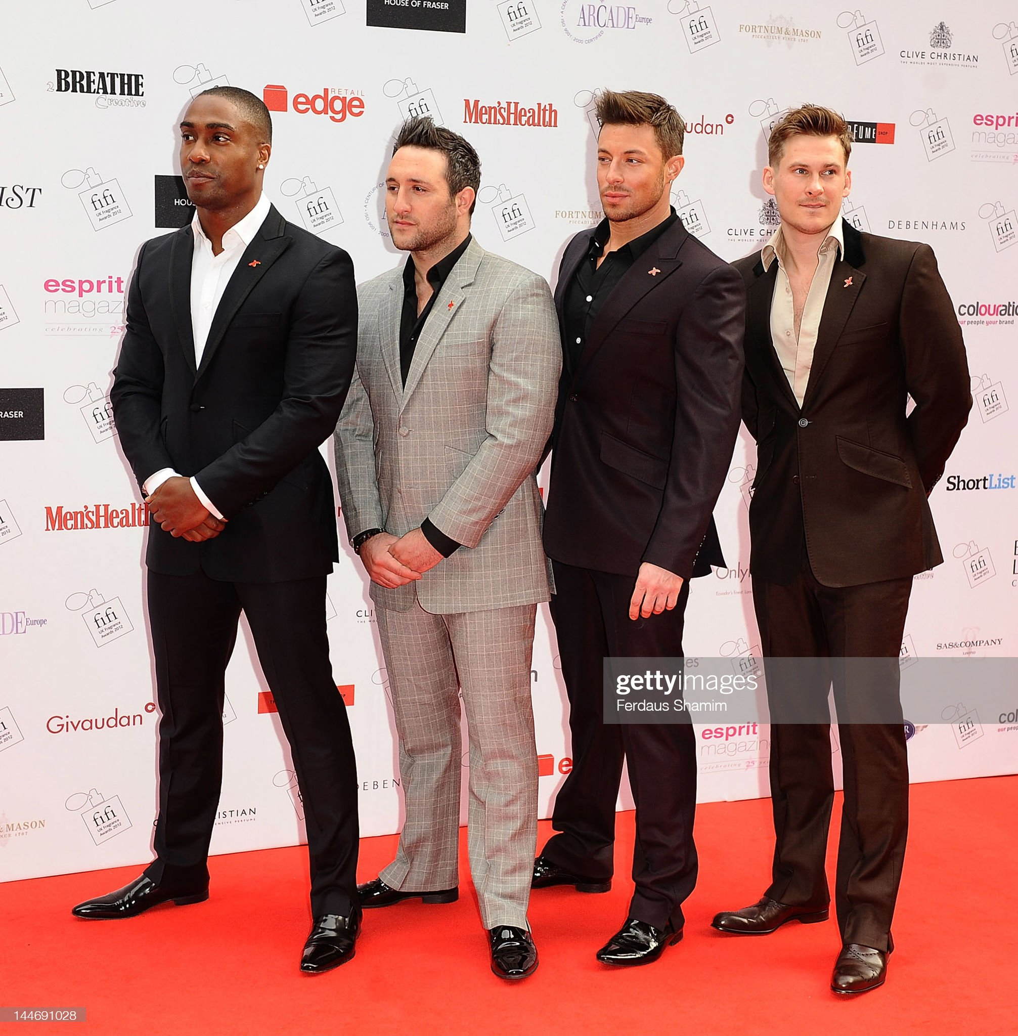 ¿Cuánto mide Antony Costa? - Real height Simon-webbe-antony-costa-duncan-james-and-lee-ryan-attend-the-fifi-uk-picture-id144691028?s=2048x2048