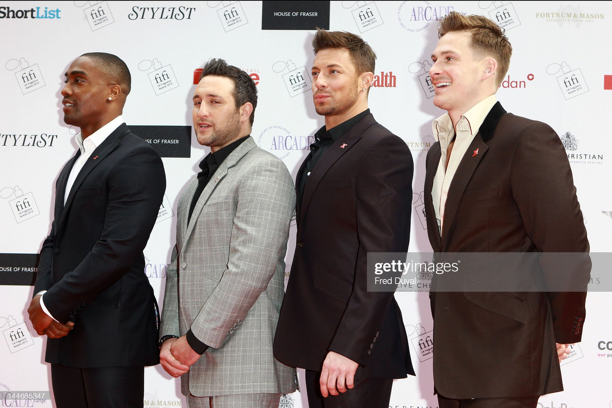 ¿Cuánto mide Antony Costa? - Real height Simon-webbe-antony-costa-duncan-james-and-lee-ryan-of-blue-attends-picture-id144685347?s=2048x2048