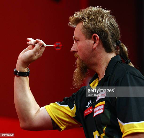 Darts Competition Pictures and Photos - Getty Images