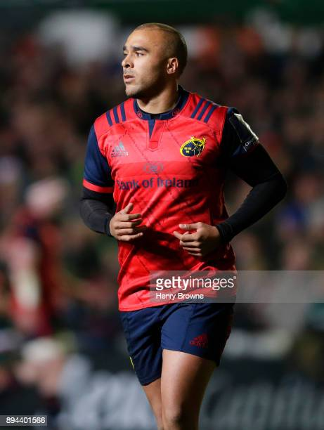 Simon Zebo of Munster during the European Rugby Champions Cup match between Leicester Tigers and Munster Rugby at Welford Road on December 17 2017 in...