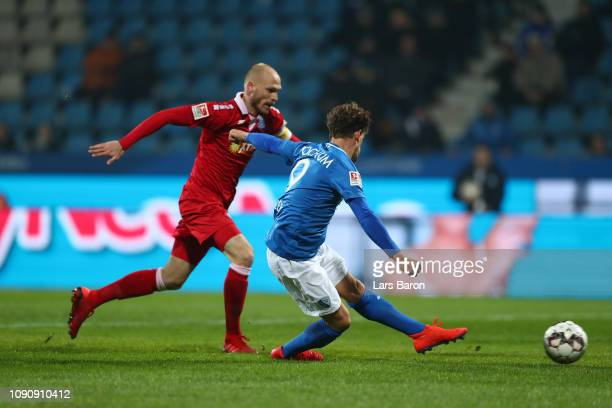 Simon Zoller of Vfl Bochum scores his team's first goal during the Second Bundesliga match between VfL Bochum 1848 and MSV Duisburg at Vonovia...