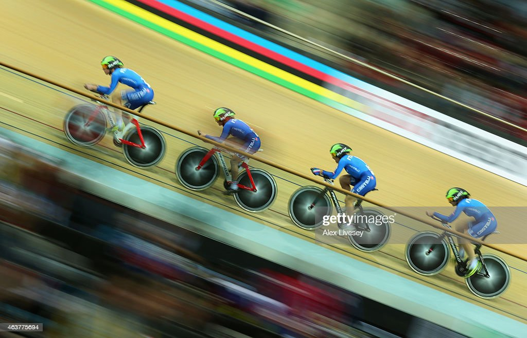 Simona Frapporti, Beatrice Bartelloni, Tatiana Guderzo and Silvia Valsecchi of Italy compete in the Women's Team Pursuit qualifying round during day one of the UCI Track Cycling World Championships at the National Velodrome on February 18, 2015 in Paris, France.