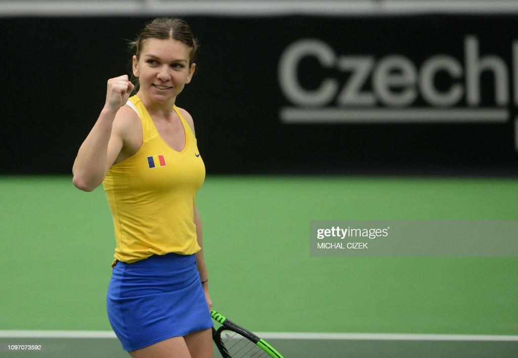 TENNIS-FED CUP-CZE-ROM : News Photo