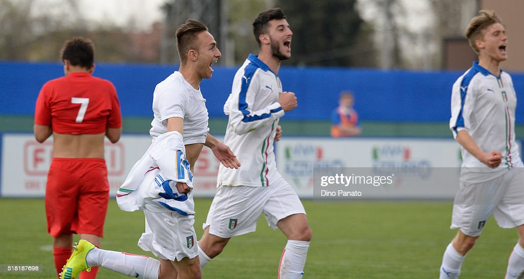 Simone Edera of Italy U19 celebrates after scoring his team's second goal during the UEFA European U19 Championship Elite Round match Italy and Turkey at Stadio Comunale on March 30, 2016 in Caldogno, Italy.
