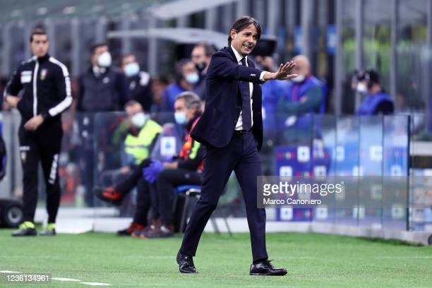 Simone Inzaghi, head coach of Fc Internazionale gestures during the Serie A match between Fc Internazionale and Juventus Fc. The match ends in a tie...