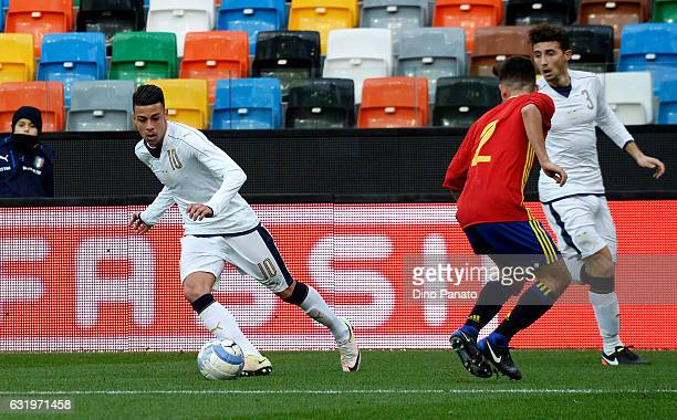 Simone Lo Faso of Italy U19 competes with Aitor Bunuel Redrado of Spain U19 during the U19 International Friendly match between Italy U19 and Spain...