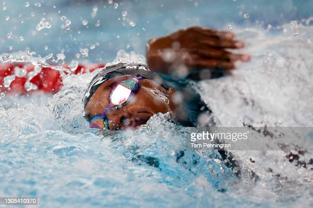 Simone Manuel competes in the Women's 100 Meter Freestyle Final on Day Two of the TYR Pro Swim Series at San Antonio on March 04, 2021 in San...