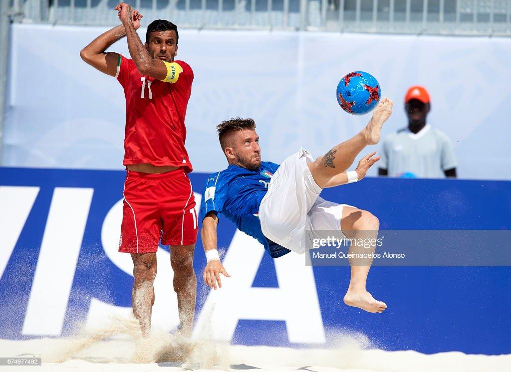 Italy v Iran - FIFA Beach Soccer World Cup Bahamas 201 : News Photo