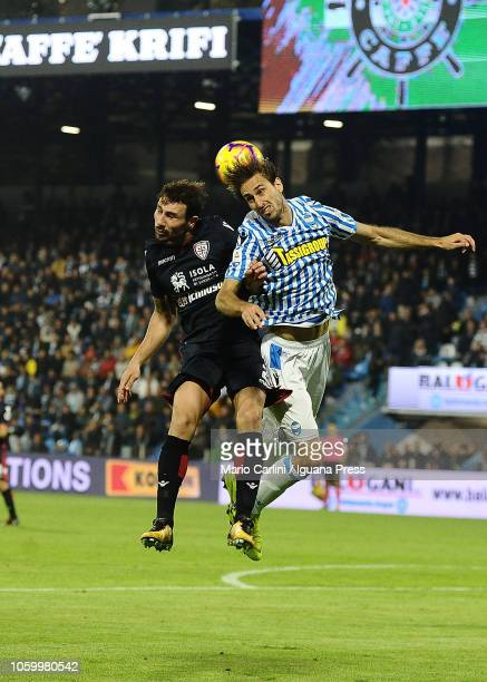 Simone Missiroli of SPAL wins a heaerd during the Serie A match between SPAL and Cagliari at Stadio Paolo Mazza on November 11 2018 in Ferrara Italy