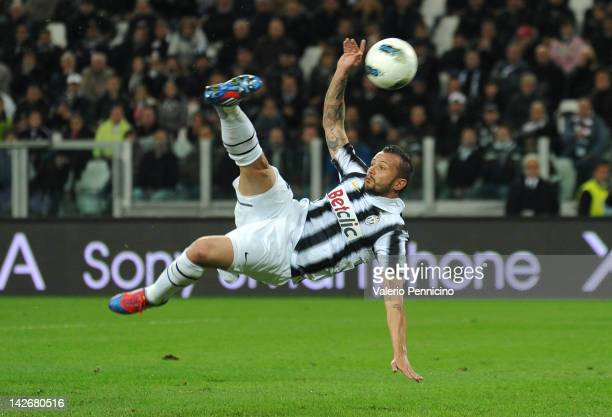 Simone Pepe of Juventus FC scores the opening goal during the Serie A match between Juventus FC and SS Lazio at Juventus Arena on April 11 2012 in...