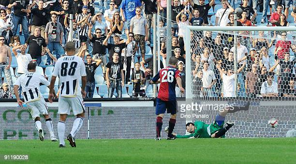 Simone Pepe of Udinese Calcio scores Udinese's second goal during the Serie A match between Udinese Calcio and Genoa CFC at Stadio Friuli on...