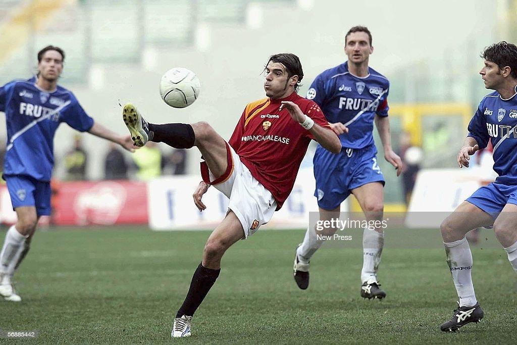 Simone Perrotta of Roma in action during the Serie A match between AS Roma and Empoli at the Stadio Olimpico on February 19, 2005 in Rome, Italy.