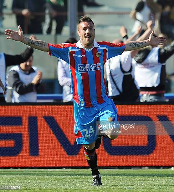 Simone Pesce of Catania celebrates after scoring the 4-0 goal during the Serie A match between Catania Calcio and US Citta di Palermo at Stadio...