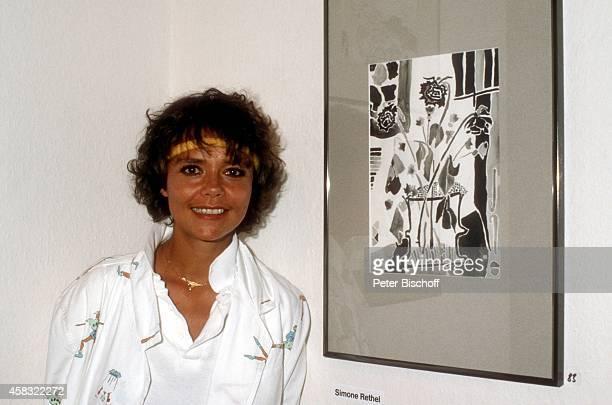 Simone Rethel GemäldeAusstellung Weißsche Galerie am in München Deutschland