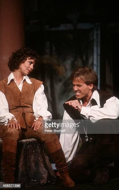 Simone Rethel Joseph Baum Theaterstück Wie es Euch gefällt am bei Schloßfestspielen von Ettlingen Deutschland