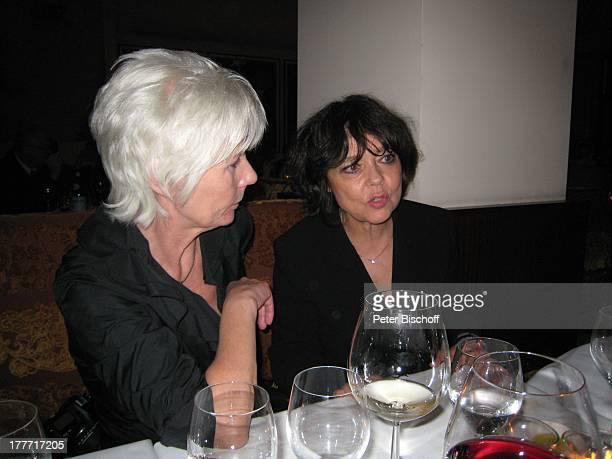 Simone Rethel Lilo Pfitzmannn Geburtstagsfeier zum 104 Geburtstag von J o h a n n e s H e e s t e r s nach Premiere von DuettCD Generationen...