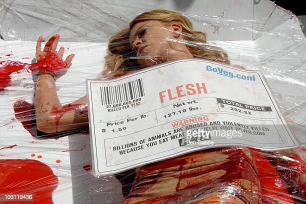 Nude Sidewalk Showers For PETA Meat Protest - CBS Los Angeles