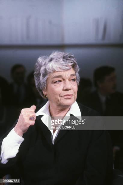 Simone Signoret sur le plateau de l'émission Apostrophe le 1er février 1985 à Paris France