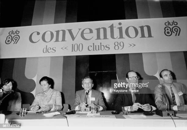 Simone Veil le président des clubs 89 Michel Aurillac le maire de Paris Jacques Chirac et Alain Juppé lors de la clôture de l'anniversaire des clubs...