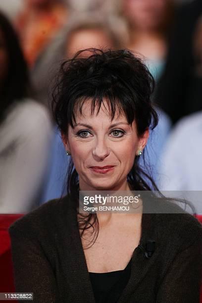 Simone Veil On 'Vivement Dimanche' Tv Show In Paris France On December 05 2007 Nathalie Dessay