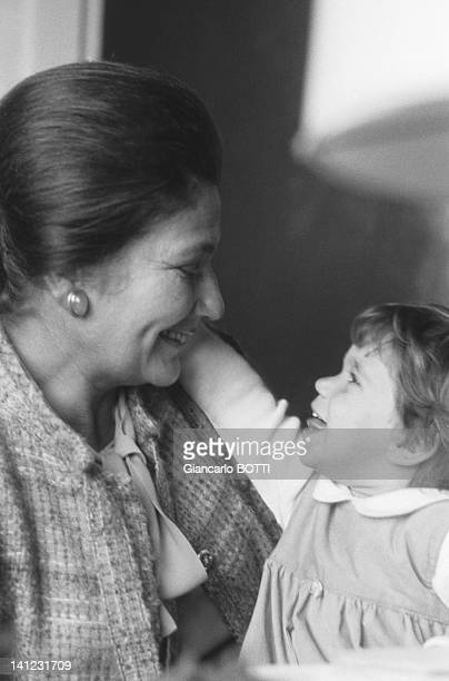 Simone Veil with Judith the daughter of Simone Veil's son Jean during 1979 in France