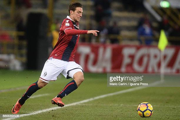 Simone Verdi of Bologna FC in action during the Serie A match between Bologna FC and Cagliari Calcio at Stadio Renato Dall'Ara on December 3 2017 in...
