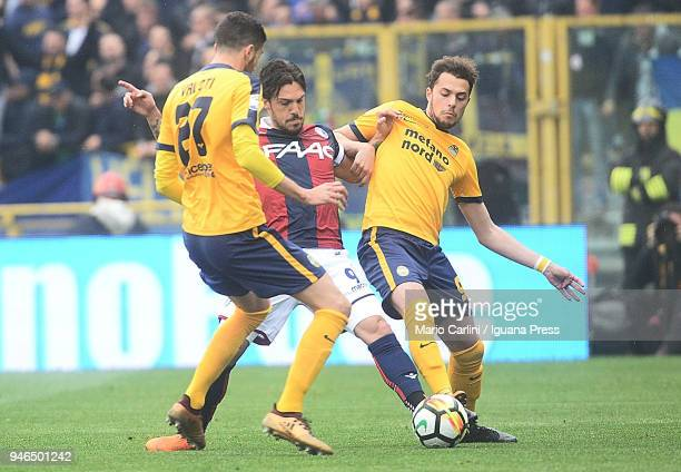 Simone Verdi of Bologna FC in action during the serie A match between Bologna FC and Hellas Verona FC at Stadio Renato Dall'Ara on April 15 2018 in...