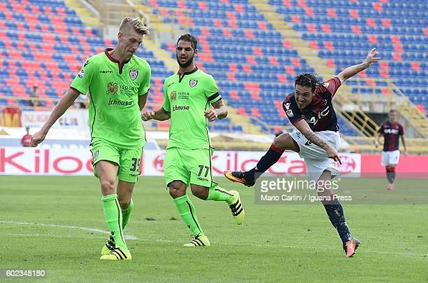 Simone Verdi of Bologna FC kicks towards the goal during the Serie a match between Bologna FC and Cagliari Calcio at Stadio Renato Dall'Ara on...