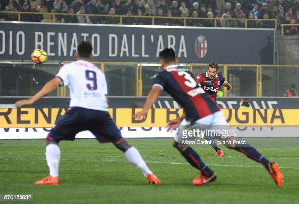 Simone Verdi of Bologna FC scores the opening goal during the Serie A match between Bologna FC and FC Crotone at Stadio Renato Dall'Ara on November 4...