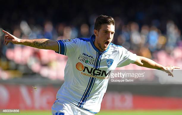 Simone Verdi of Empoli celebrates after scring the opening goal during the Serie A match between SSC Napoli and Empoli FC at Stadio San Paolo on...