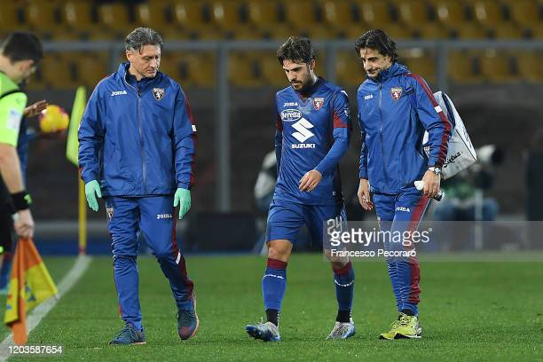 Simone Verdi of Torino FC injured during the Serie A match between US Lecce and Torino FC at Stadio Via del Mare on February 02 2020 in Lecce Italy