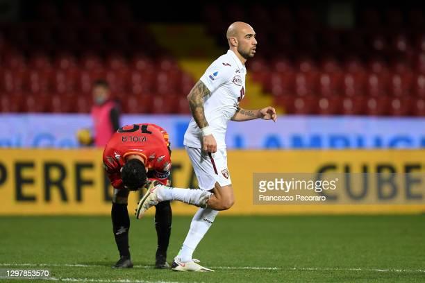 Simone Zaza of Torino celerbates scoring the 2nd Torino goal during the Serie A match between Benevento Calcio and Torino FC at Stadio Ciro Vigorito...
