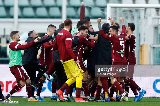 Simone Zaza of Torino FC celebrates after scoring his team's third goal with team mates during the Serie A match between Torino FC and US Sassuolo at...